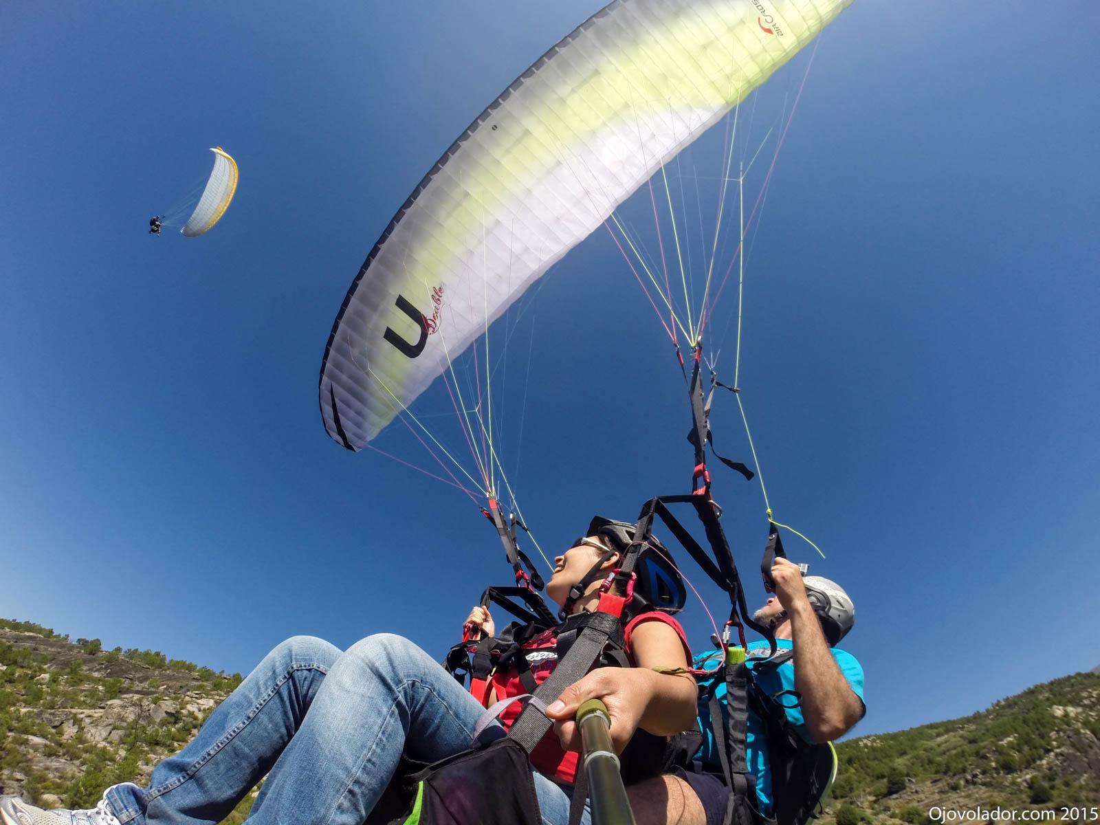 Volar en parapente biplaza